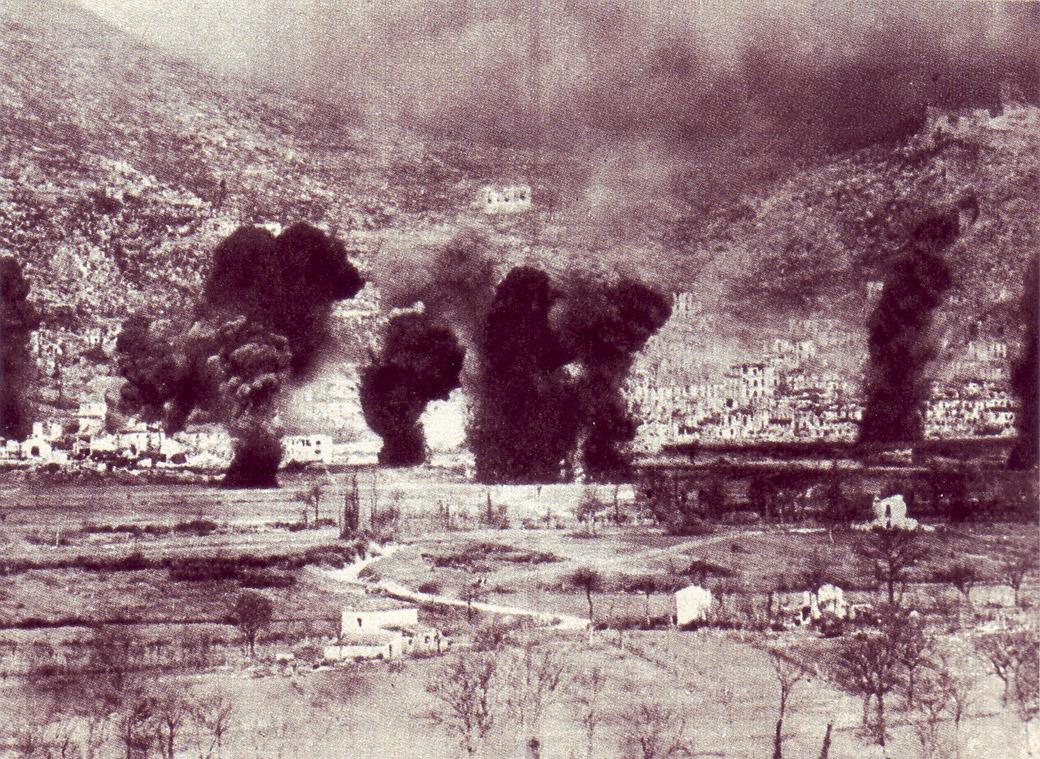 La ville de Cassino sous les bombardements alliés, 15 mars 1944